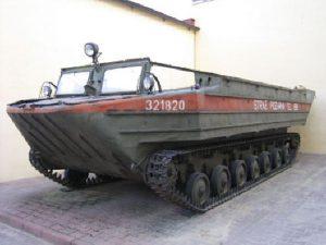 pływający transporter gąsienicowy PTG typ K- 61 z 1958 r.