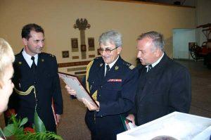 Gratulacje dla Dyrektora Muzeum nadbryg. w st. spocz. F. Deli - składa Burmistrz MiG Rakoniewice