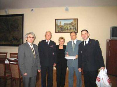 d lewej stoją nadbryg Feliks Dela ,nadbryg Ryszard Kamiński, st.bryg Adam Szkuta, mł.bryg Zbigniew Lepa